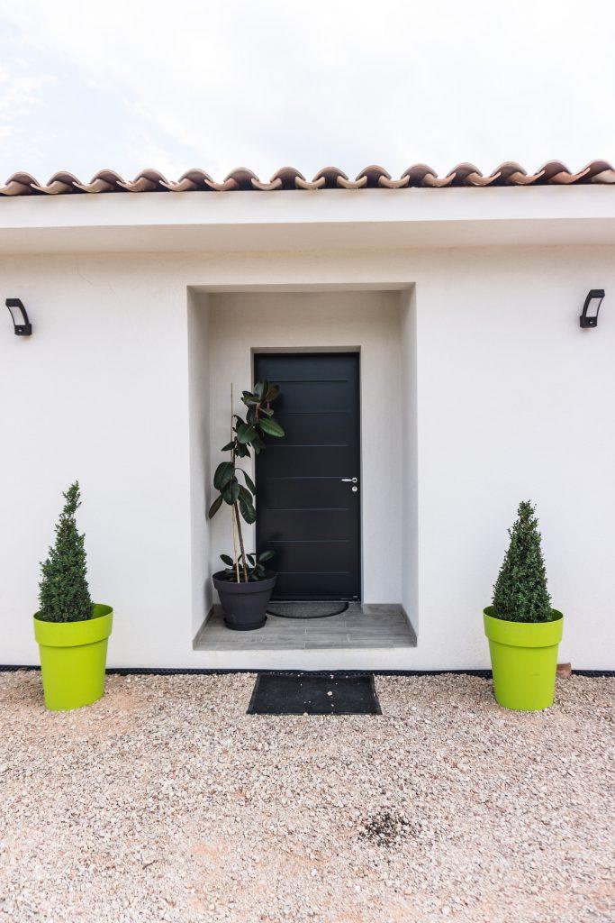 constructeur de maison contemporaine nos mod les en photos. Black Bedroom Furniture Sets. Home Design Ideas