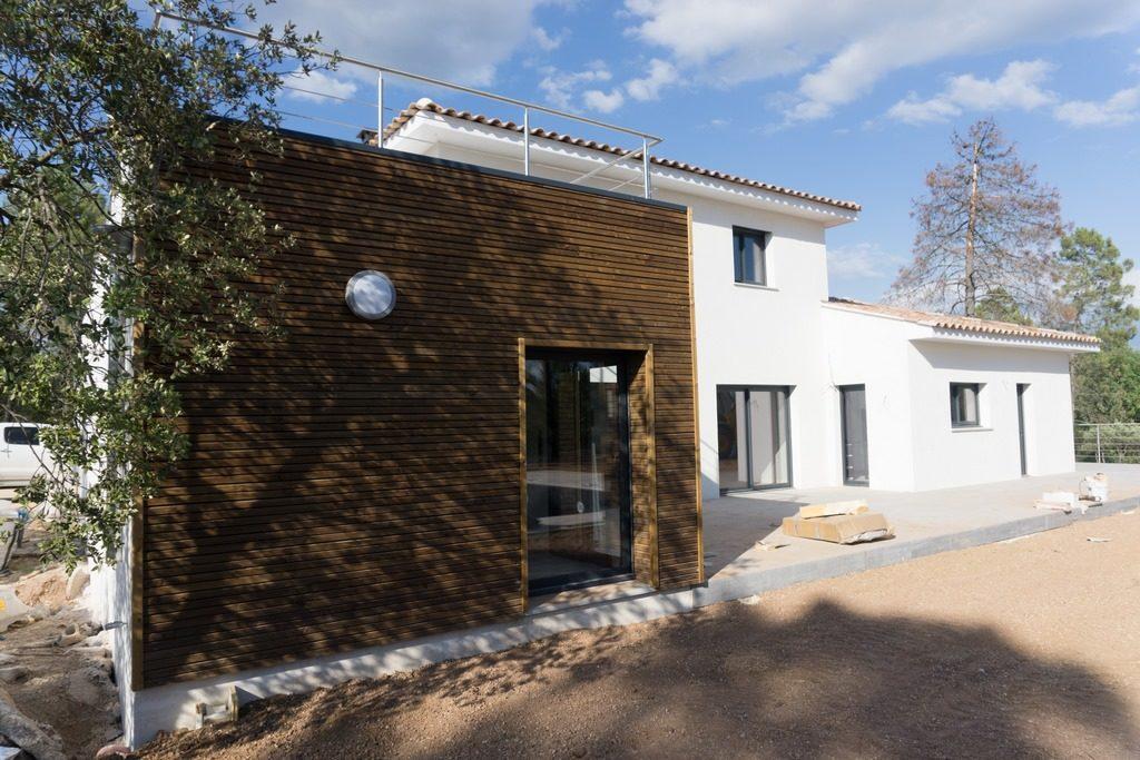 facade bois maison moderne