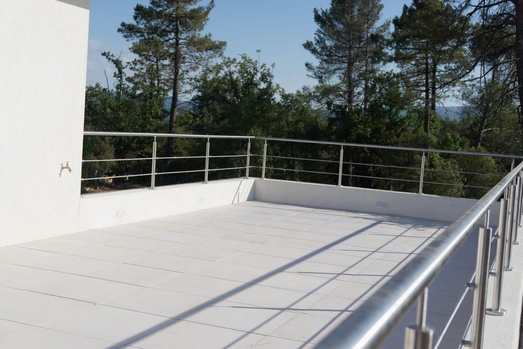La maison contemporaine : plan, toit plat, design, matériaux