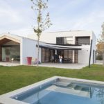 vue maison architecte ouverture et piscine