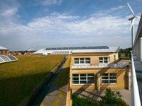 Lycée HQE Léonard de Vinci éolienne et solaire