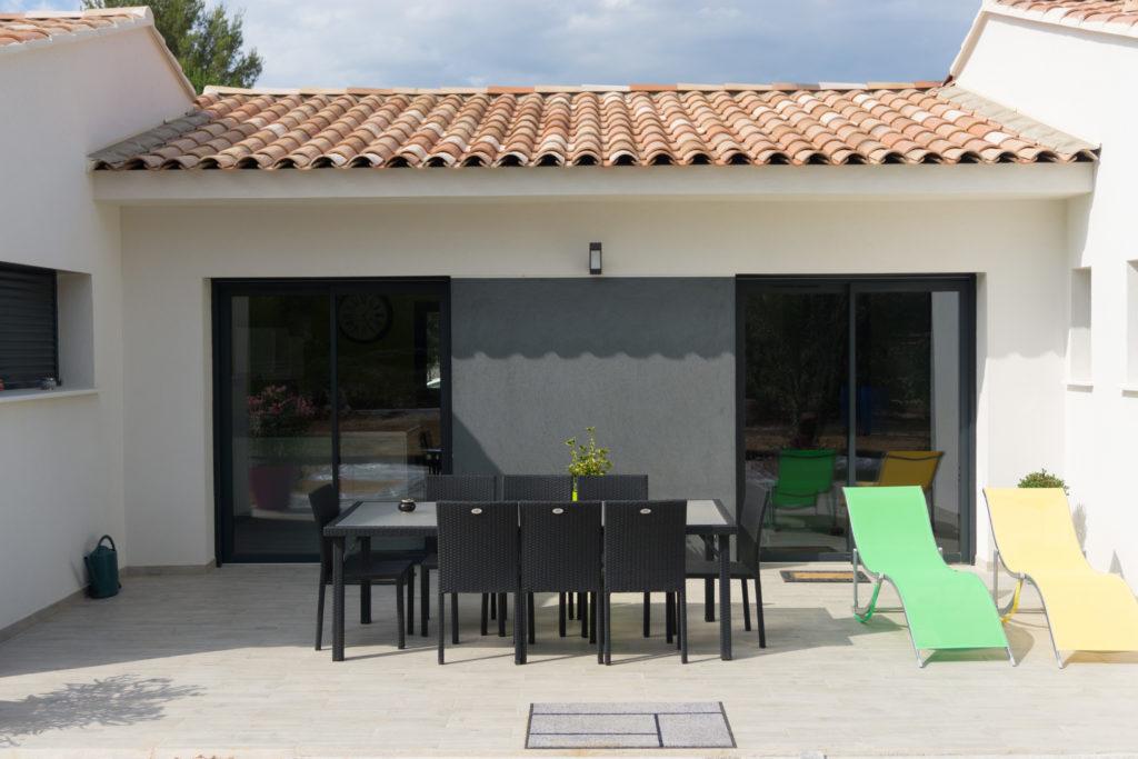 construction d 39 une terrasse sur votre terrain neuf nos conseils. Black Bedroom Furniture Sets. Home Design Ideas