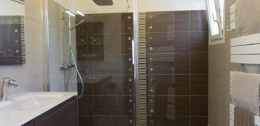 Salle de bain à l'italienne par maisons blanches